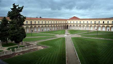 Certosa di Padula: il chiostro grande.
