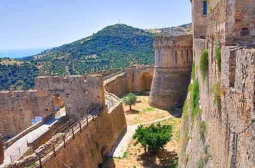 Il Castello di Rocca Imperiale in Calabria