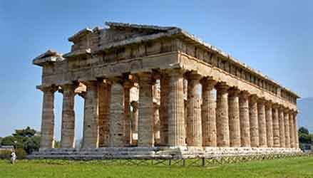 Tempio di nettuno nel Parco Archeologico di Paestum